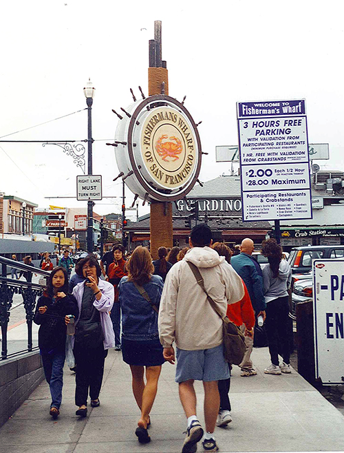 Unless you are a tourist looking for genuine Chinese crap, and sales people who want to take every last dime out of your ass, do not step foot on the Wharf. Although, if you come for the sea lions, I can't blame you. They sing the true Siren song. July 24, 2001.